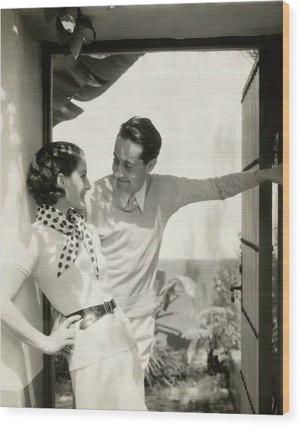 Norma Shearer And Irving Thalberg In A Garden Wood Print by Edward Steichen