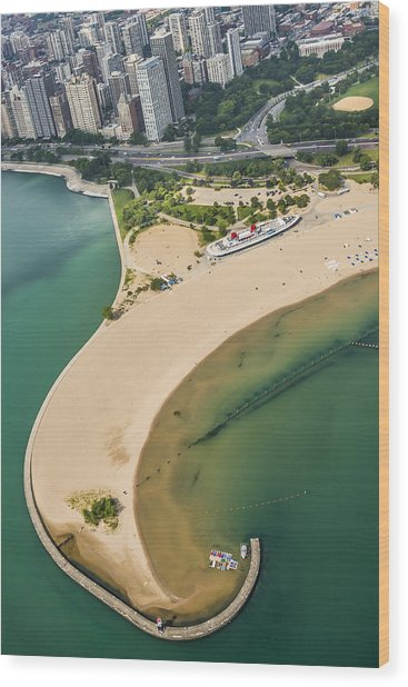 North Avenue Beach And Castaways Restaurant Wood Print