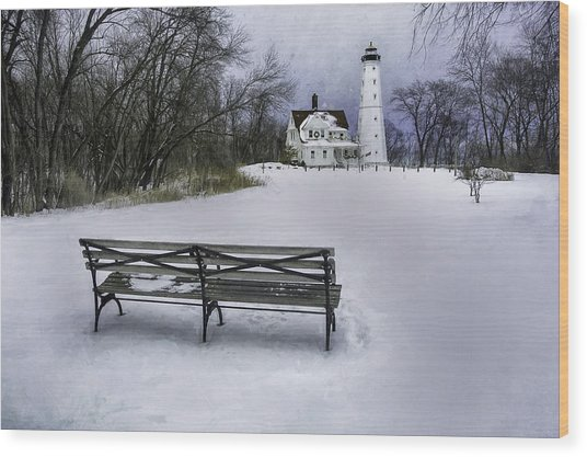 North Point Lighthouse And Bench Wood Print