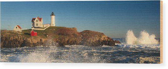 Nubble Light With Rough Seas Wood Print
