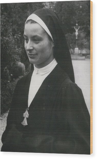 O More White Bonnets For French Nuns Wood Print by Retro Images Archive