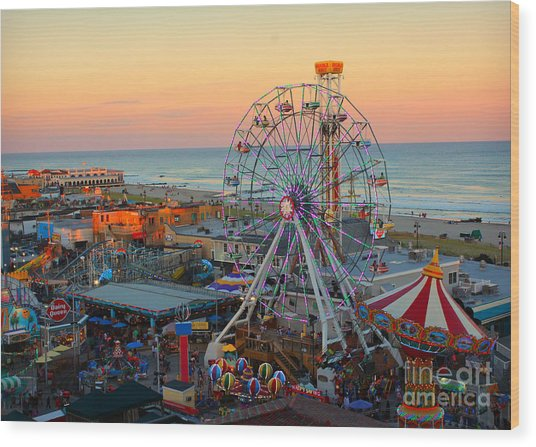 Ocean City Castaway Cove And Music Pier Wood Print