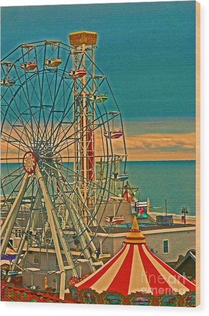 Ocean City Castaway Cove Ferris Wheel Wood Print