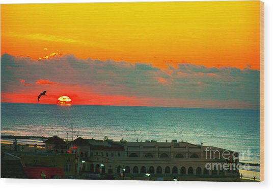 Ocean City Sunrise Over Music Pier Wood Print