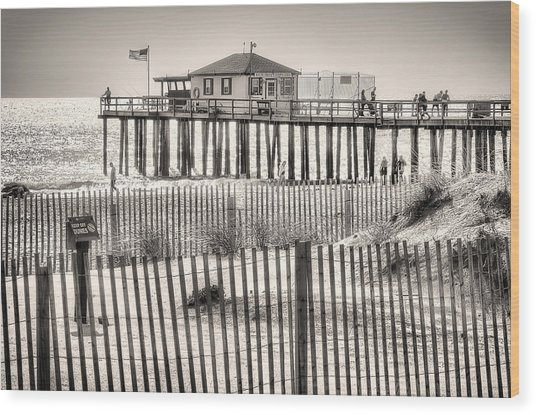 Ocean Grove Fishing Club Wood Print