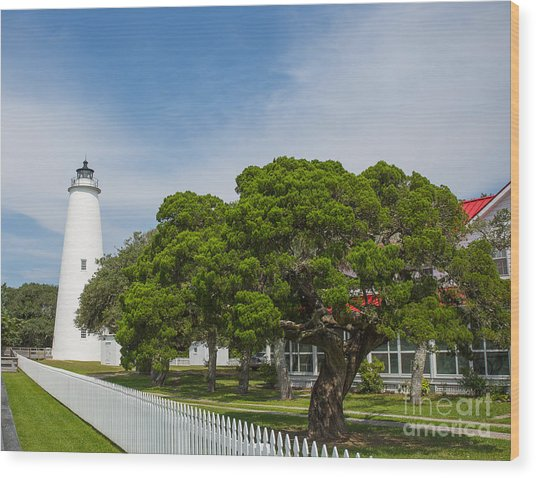 Ocracoke Lighthouse And Light Keeper's House Wood Print