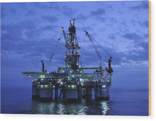 Oil Rig At Twilight Wood Print