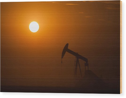 Oil Rig Pumping At Sunset Wood Print by Connie Cooper-Edwards