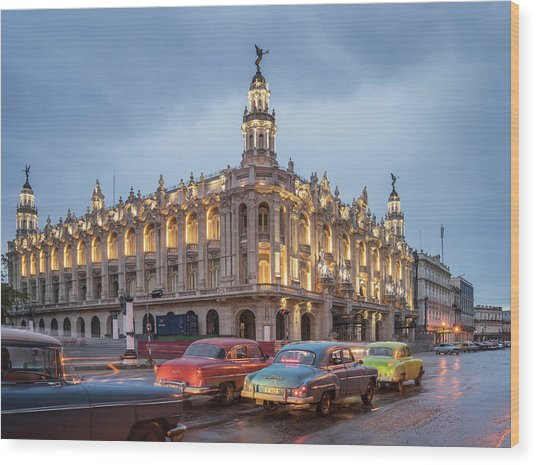 Old American Cars And The Cuban Wood Print by Buena Vista Images