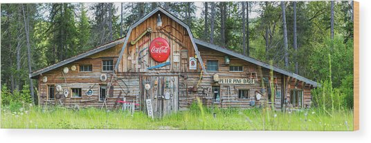 Old Americana Barn, Montana, Usa Wood Print by Peter Adams