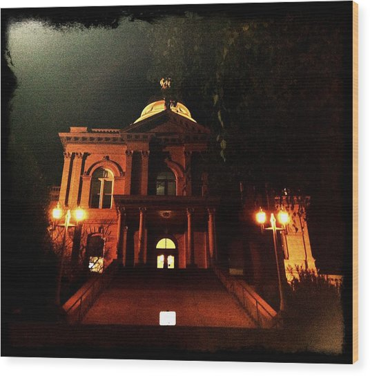 Old Auburn Courthouse Wood Print