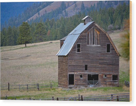 Old Barn In Washington Wood Print