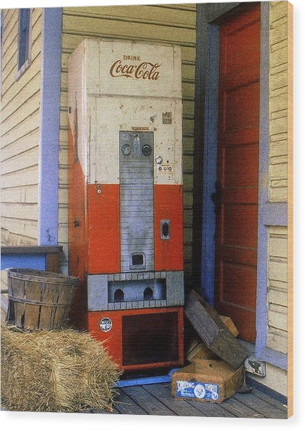 Old Coke Machine Wood Print
