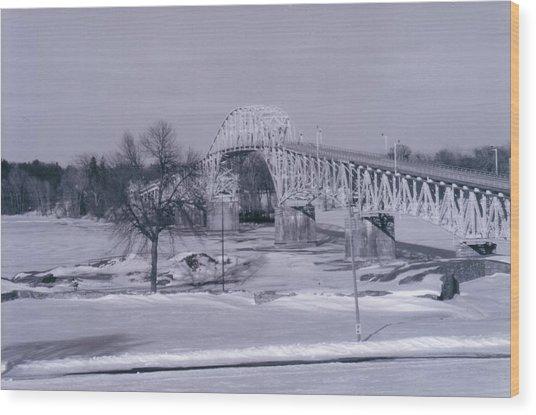 Old Crown Point Bridge In Winter Wood Print by David Fiske