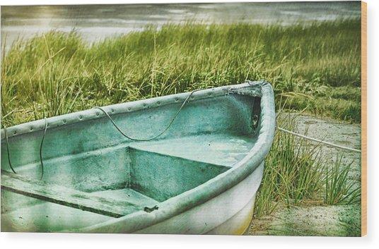 Old Dinghy On The Beach Cape Cod Ma Retro Feel Wood Print