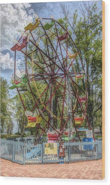 Old Fashioned Ferris Wheel Wood Print