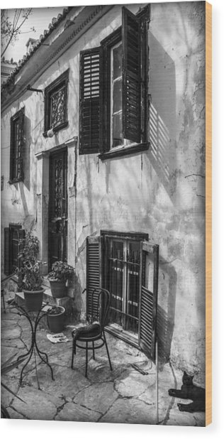 Old House Black And White Wood Print