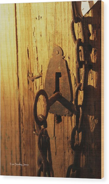 Old Lock And Key Wood Print