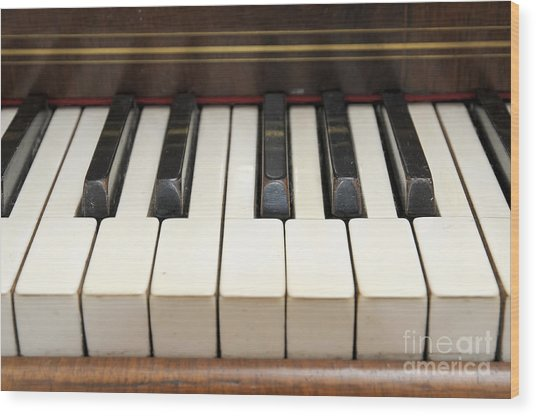 old piano II Wood Print