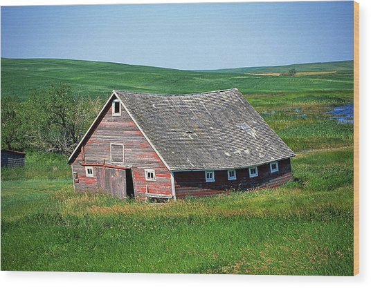 Old Red Barn Wood Print by Buddy Mays