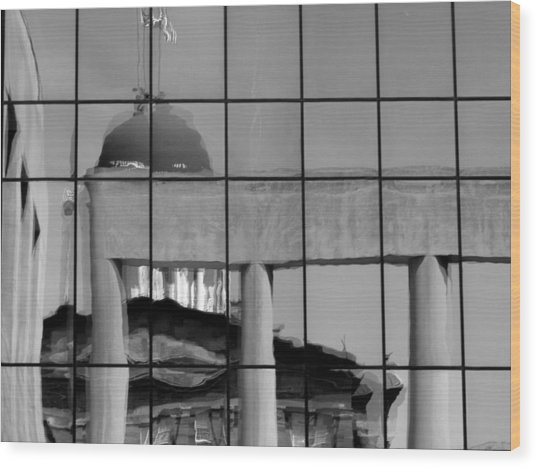 Old State Capitol Reflection Wood Print by Sue Houston