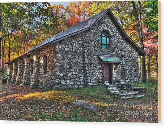 Old Stone Lodge Wood Print