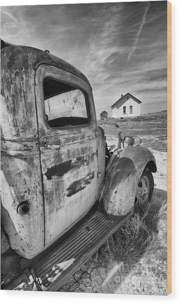 Old Truck 2 Wood Print