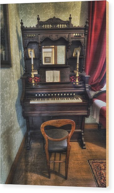 Olde Piano Wood Print