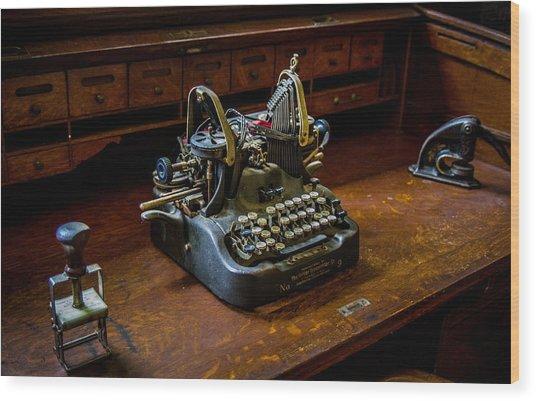 Oliver Typewriter Wood Print