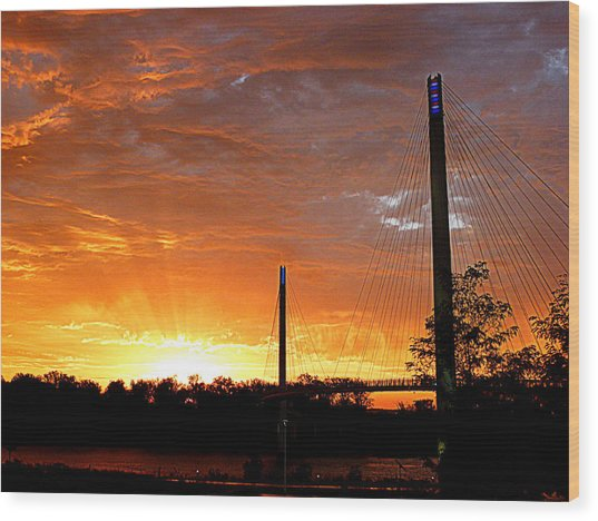 Wood Print featuring the photograph Omaha Sunrise by Jeff Lowe