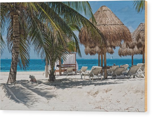 White Sandy Beach In Isla Mujeres Wood Print