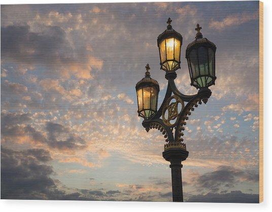 One Light Out - Westminster Bridge Streetlights - River Thames In London Uk Wood Print