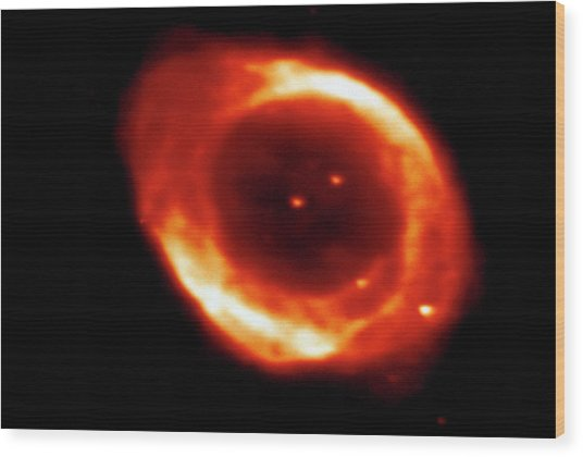 Optical Ccd Image Of The Ring Nebula M57 Wood Print by Dr Rudolph Schild/science Photo Library