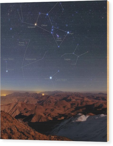 Orion And Sirius Over Iran Wood Print by Babak Tafreshi/science Photo Library