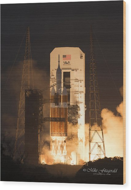 Orion Launch Wood Print