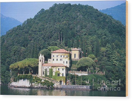 Palace At Lake Como Italy Wood Print