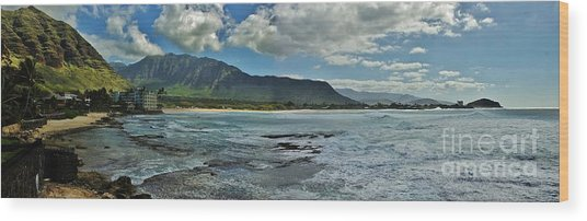 Panorama Of Makaha Beach Wood Print