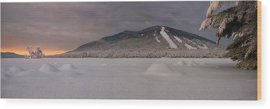 Panoramic Of Shawnee Peak And Moose Pond Wood Print
