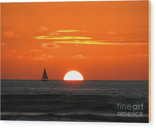 Paradise Sunset Sail Wood Print