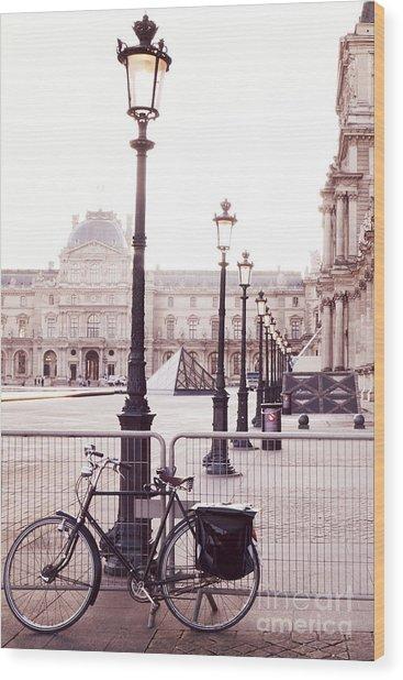Paris Bicycle Louvre Museum - Paris Bicycle Street Lantern - Paris Bicycle Louvre Museum Street Lamp Wood Print