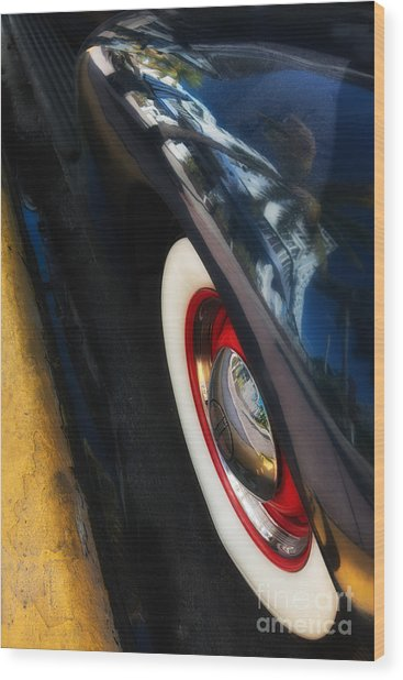 Park Central Hotel Reflection On Oldsmobile Wing - South Beach - Miami  Wood Print by Ian Monk