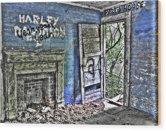 Party House Wood Print