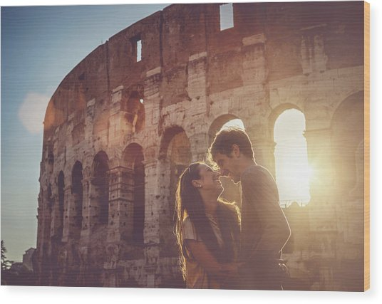 Passionate Kiss In Front Of The Coliseum Wood Print by Piola666
