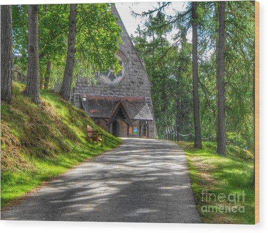 Pathway To Crathie Church Wood Print