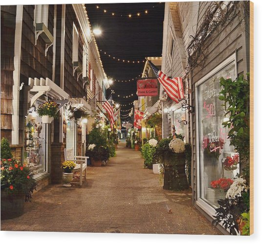 Penny Lane At Night - Rehoboth Beach Delaware Wood Print