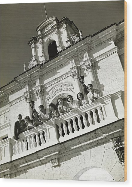 People On A Balcony Of The Jaimanitas-biltmore Wood Print