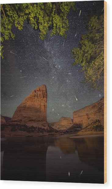Perseids Meteor Shower Over Steamboat Rock Wood Print