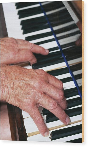 Piano Playing Wood Print by Jerry Mason/science Photo Library