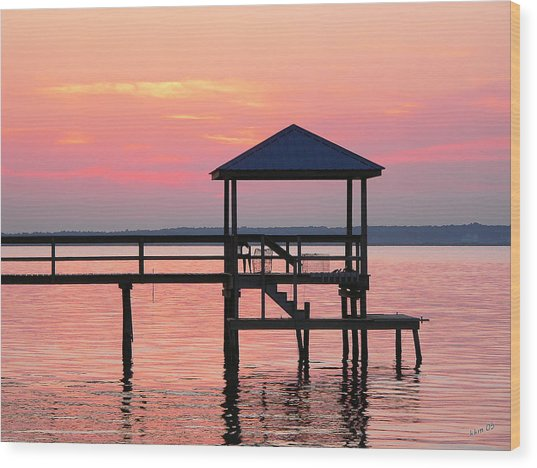 Pier In Pink Sunset Wood Print