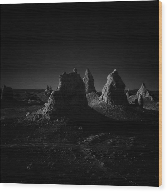 Pinnacles Facing The Sunrise Wood Print